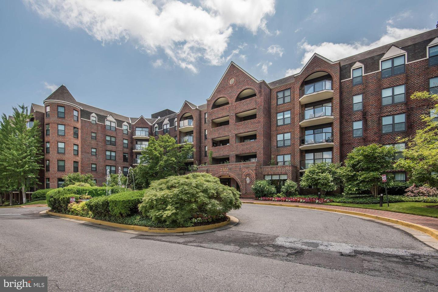 Single Family for Sale at 2100 Lee Hwy #531 Arlington, Virginia 22201 United States