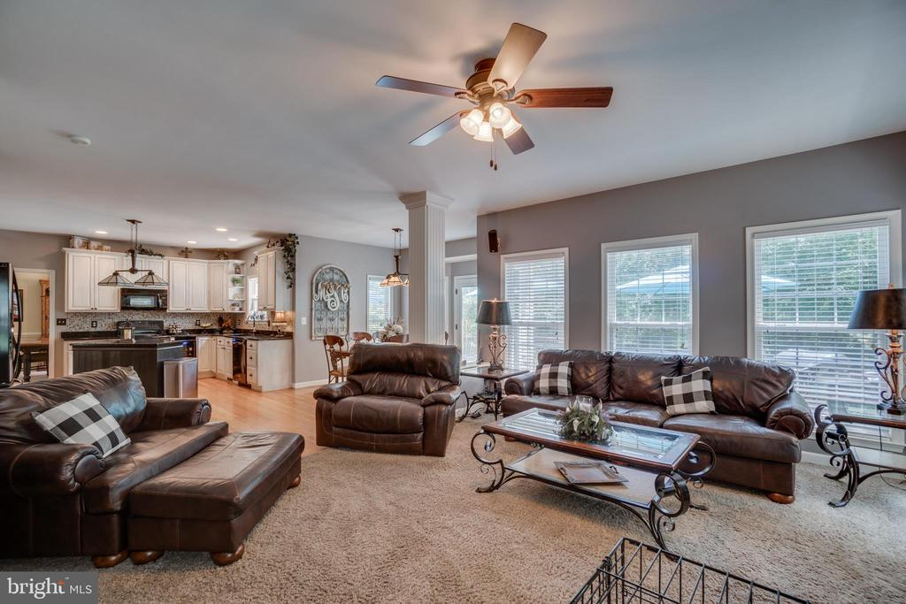 Enjoy your Fireplace & family from the Kitchen - 175 SAINT MARYS LN, STAFFORD