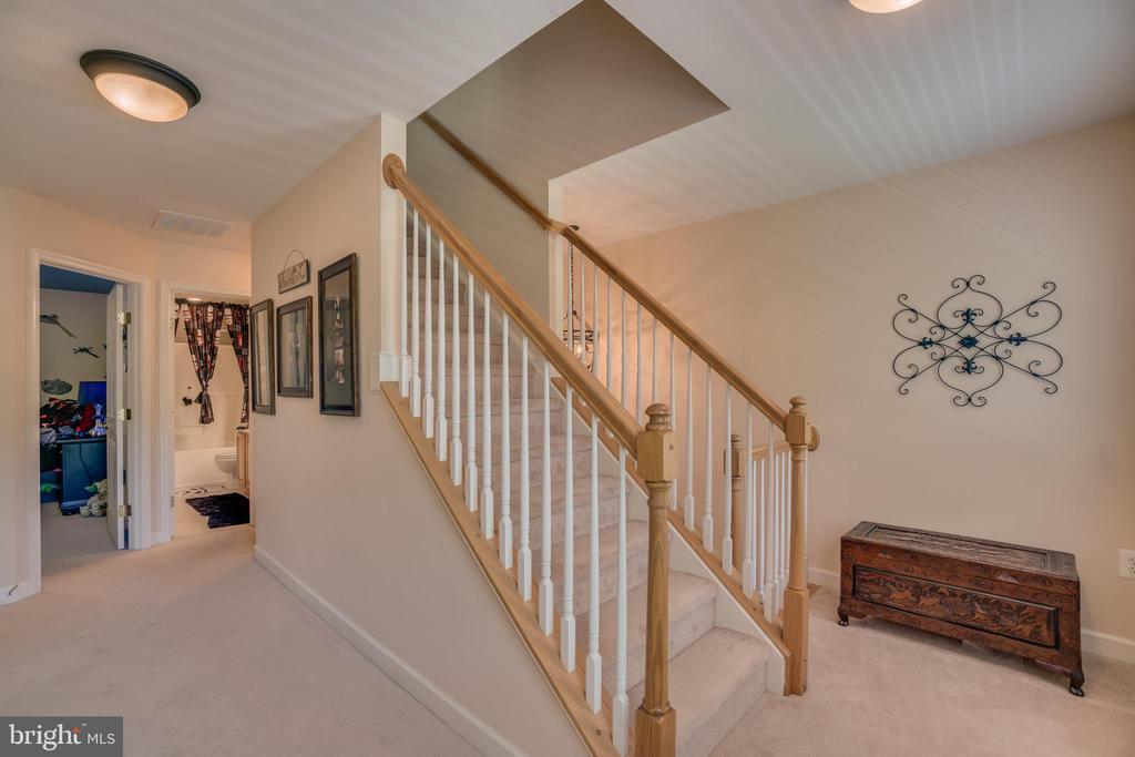 Upper Hallway to 4th Floor - 175 SAINT MARYS LN, STAFFORD