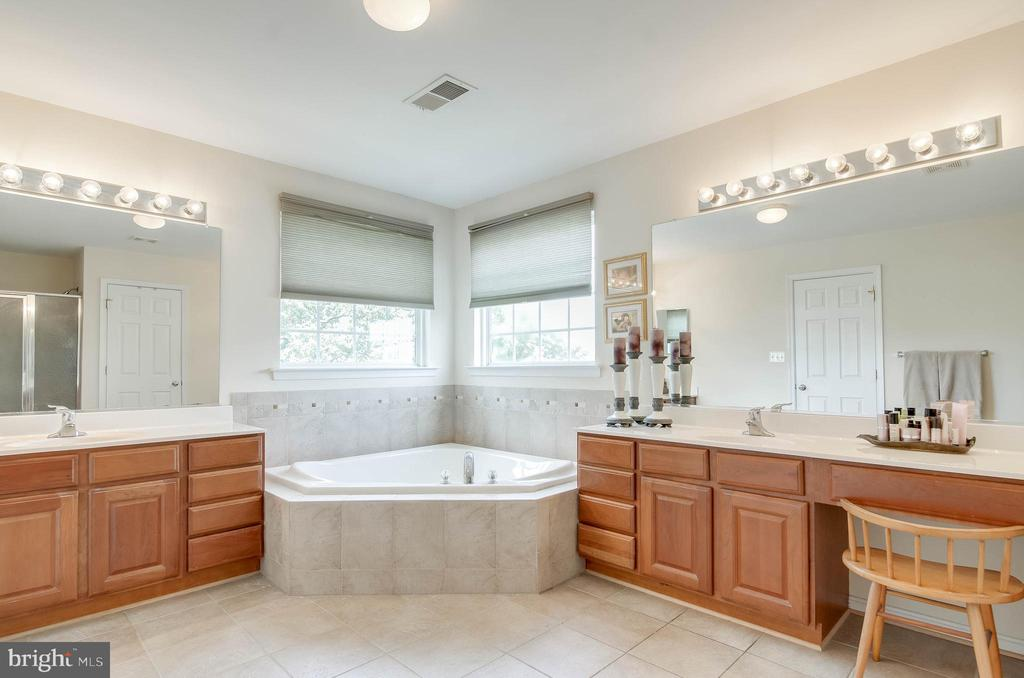 Two Vanities! - 231 REBECCA DR, WINCHESTER