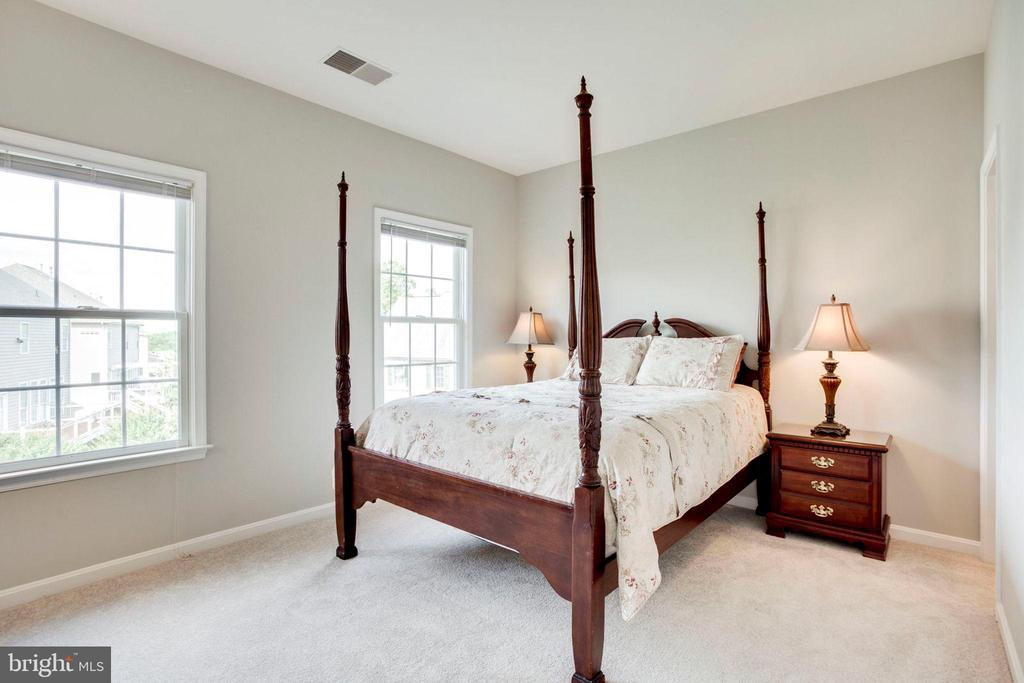 Fourth bedroom - princess suite - 43083 ROCKY RIDGE CT, LEESBURG