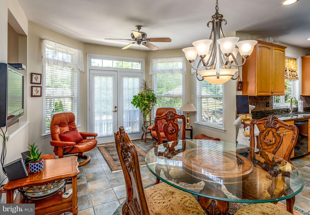 EXPANDED MORNING ROOM - 25753 SPECTACULAR RUN PL, CHANTILLY