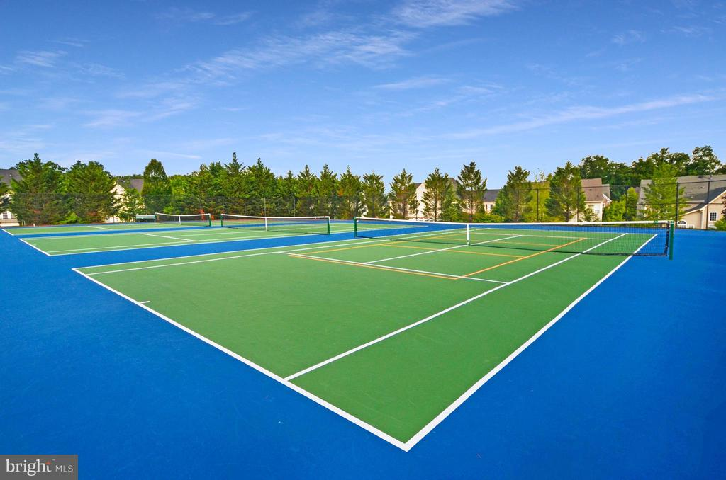 Tennis courts in Lansdowne community - 43083 ROCKY RIDGE CT, LEESBURG