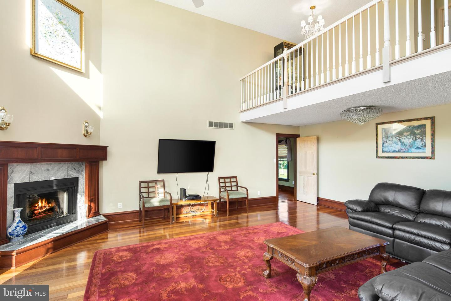 Additional photo for property listing at 8 SUMMERHILL Drive Hamilton, New Jersey 08620 United States