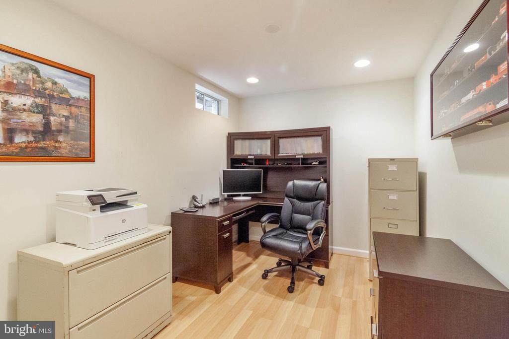 Home Office - 42819 MEANDER CROSSING CT, BROADLANDS