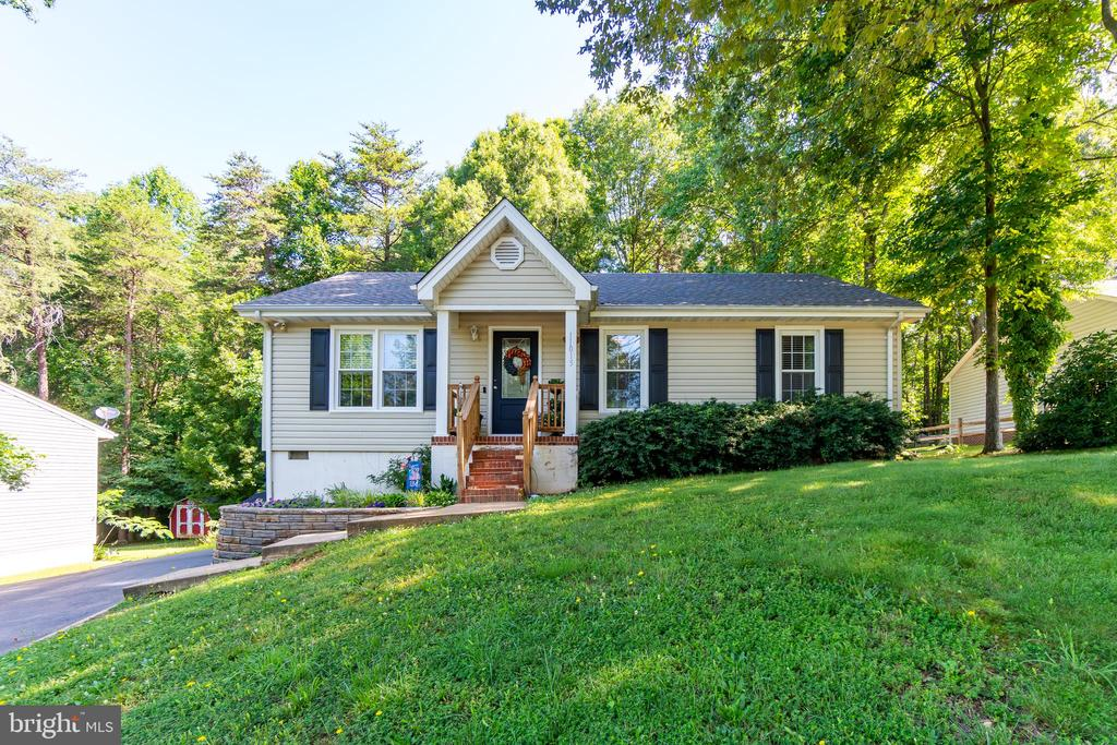 Welcome to 11015 Abbey Ln! - 11015 ABBEY LN, FREDERICKSBURG