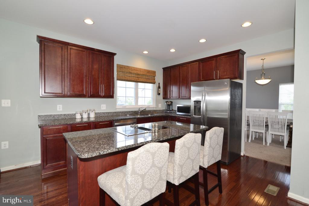 Stainless Steel Appliances - 17618 CLEVELAND PARK DR, ROUND HILL