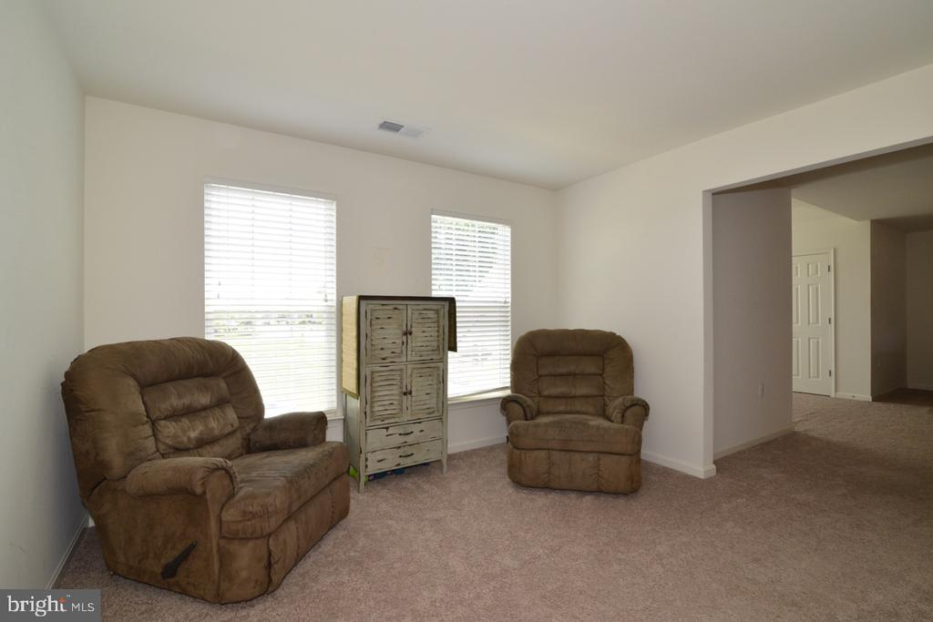 Sitting Room off the Master Bedroom - 17618 CLEVELAND PARK DR, ROUND HILL