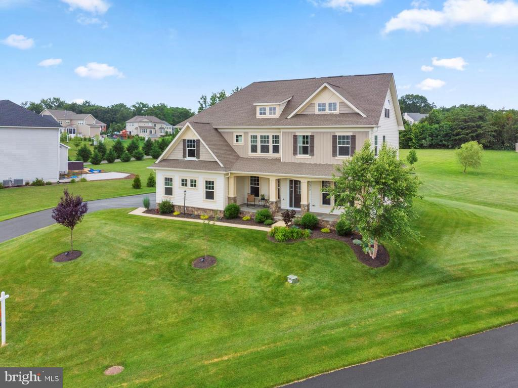 Handsomely stately.... - 7375 TUCAN CT, WARRENTON
