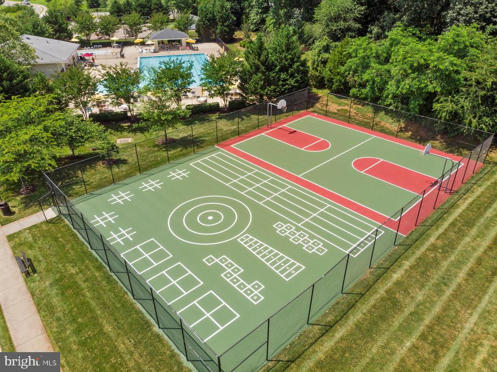 Community games - 7375 TUCAN CT, WARRENTON