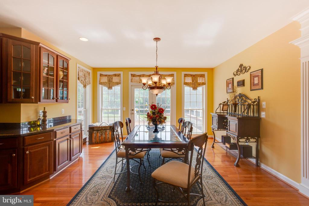 Large Breakfast Room - 22388 BELLE TERRA DR, ASHBURN
