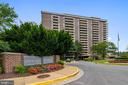 - 1800 OLD MEADOW RD #621, MCLEAN