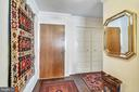Welcoming entry foyer - 1800 OLD MEADOW RD #621, MCLEAN