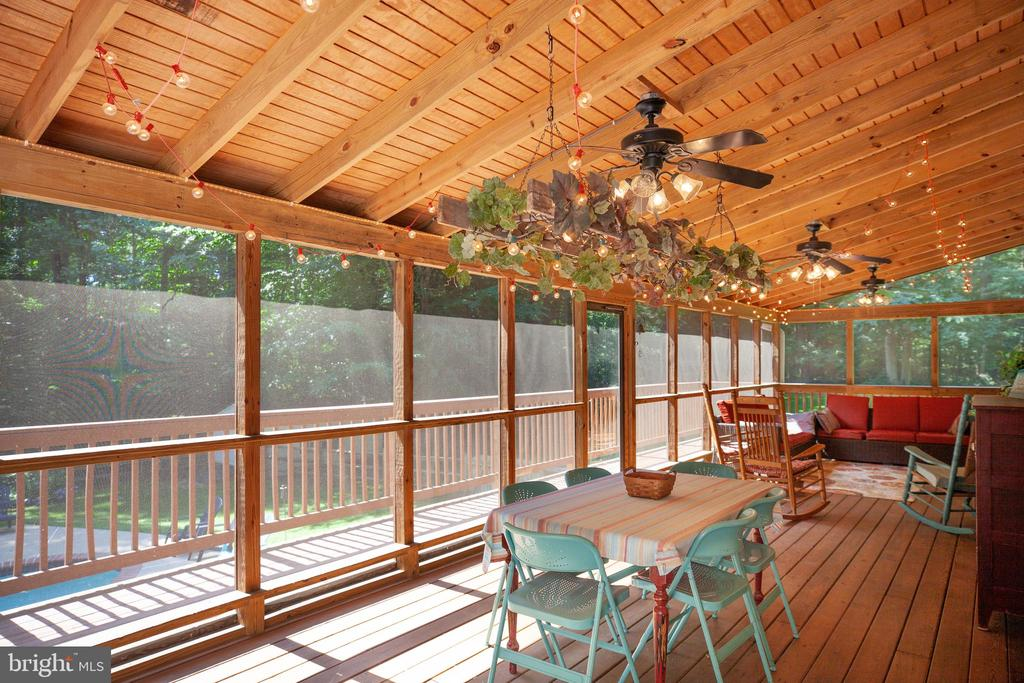 Extra Large Screened Porch - 17 FRANKLIN ST, STAFFORD