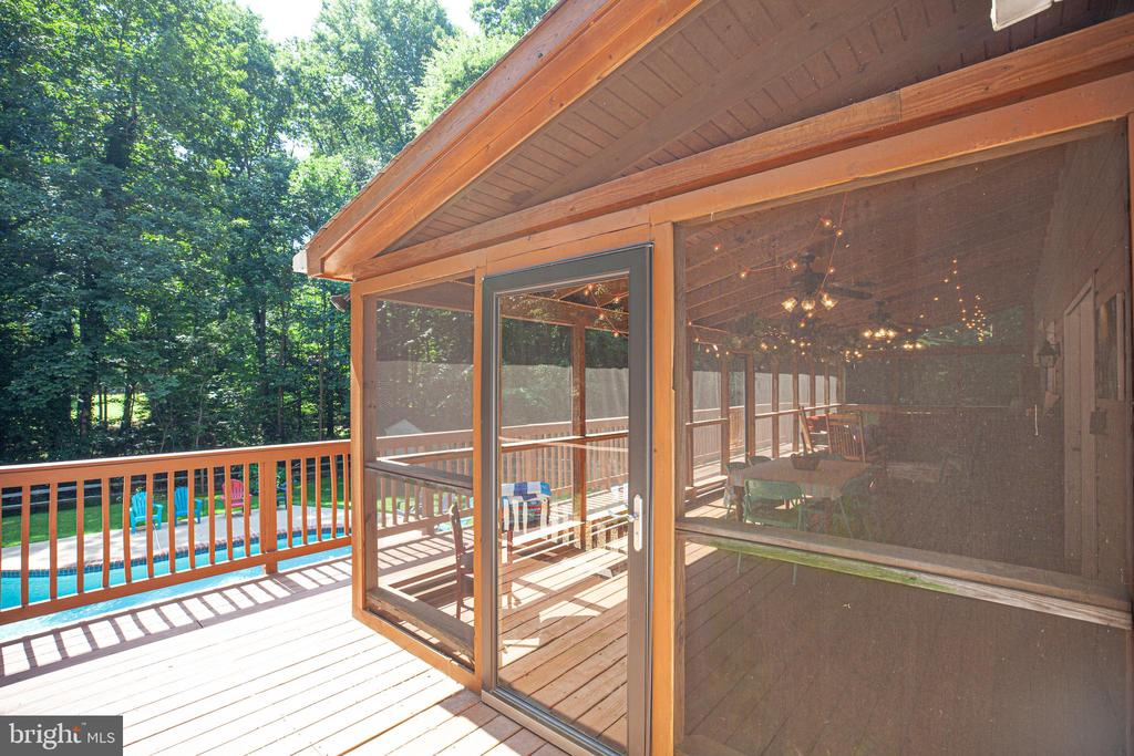 Large screened in Porch - 17 FRANKLIN ST, STAFFORD