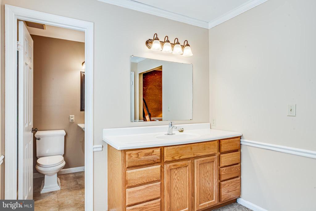 Master Bathroom - 17 FRANKLIN ST, STAFFORD