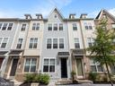 Beautiful 3 Story T/H | 2 Beds/ 2.5 Baths| - 613 BARNES ST NE, WASHINGTON