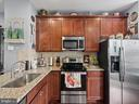 Kitchen Cabinets & Stainless Steel Appliances - 613 BARNES ST NE, WASHINGTON