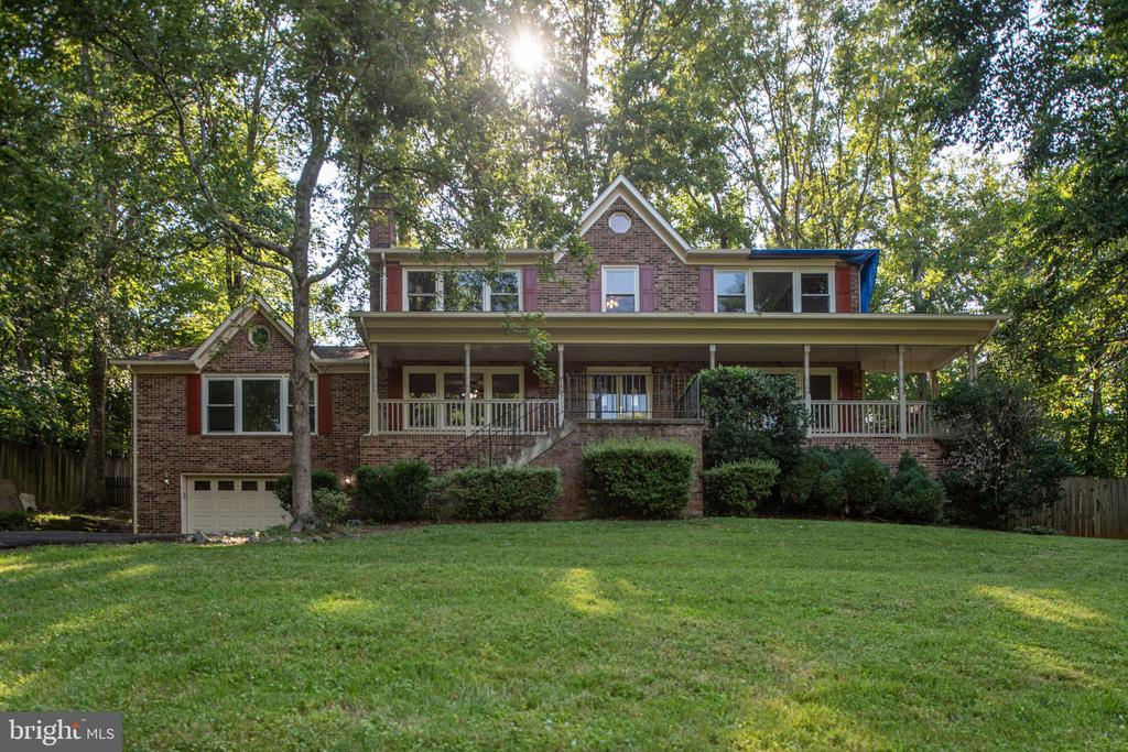 Peaceful setting on 103 acres of land. - 35 GREEN LEAF TER, STAFFORD