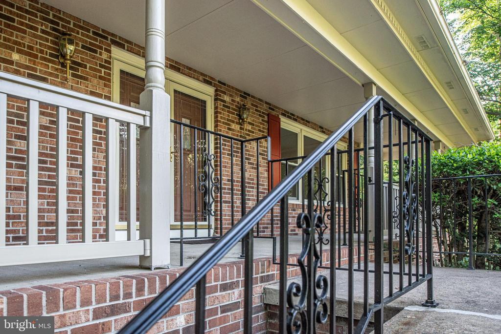 Wrought Iron railing, double door front entry. - 35 GREEN LEAF TER, STAFFORD