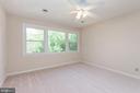 Upper level master bedroom. - 35 GREEN LEAF TER, STAFFORD