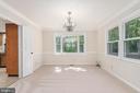 Formal dining room w/bay window. - 35 GREEN LEAF TER, STAFFORD