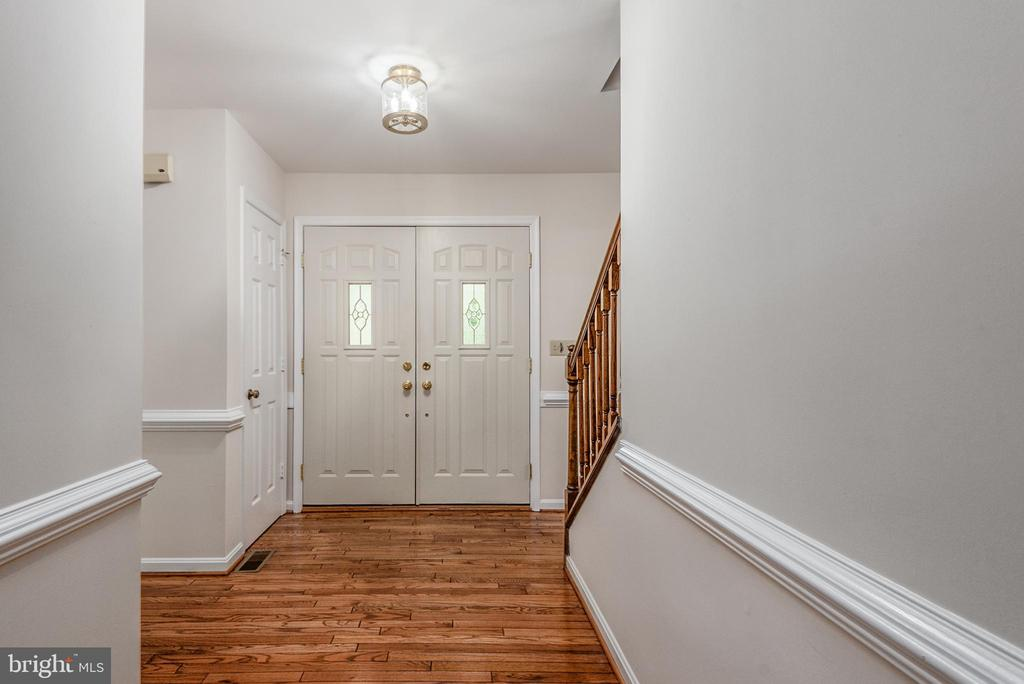 Two door entry way onto refinished hard wood. - 35 GREEN LEAF TER, STAFFORD