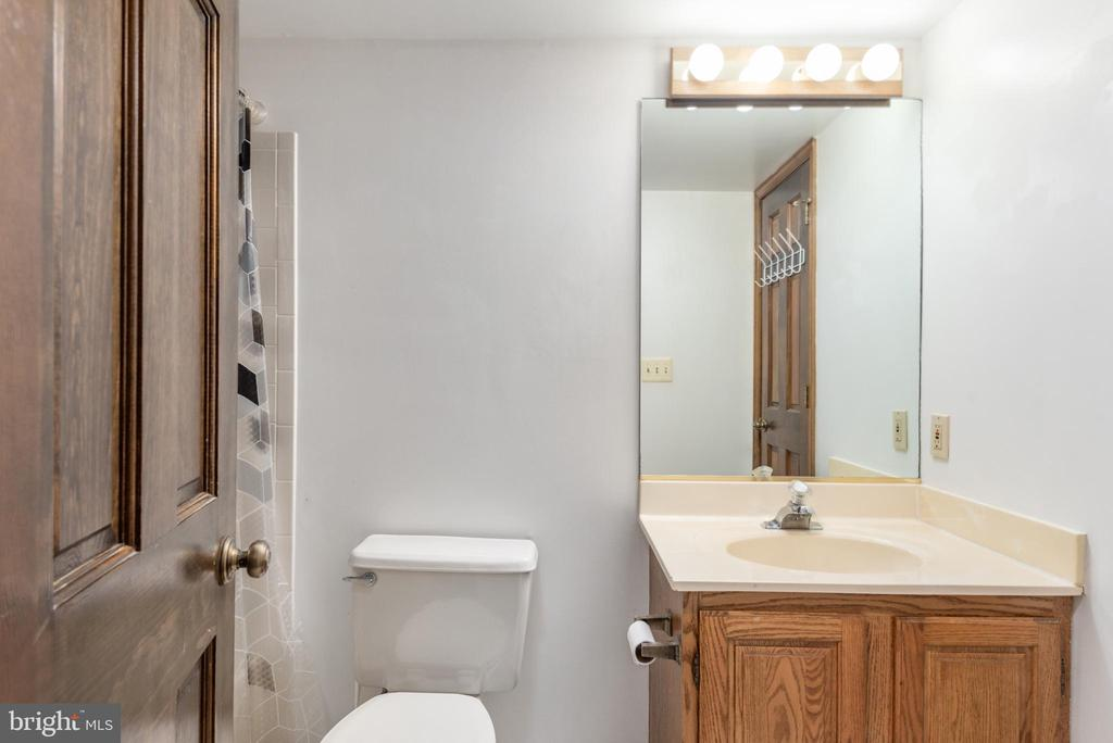 Bathroom features a tub/shower combo - 35 GREEN LEAF TER, STAFFORD