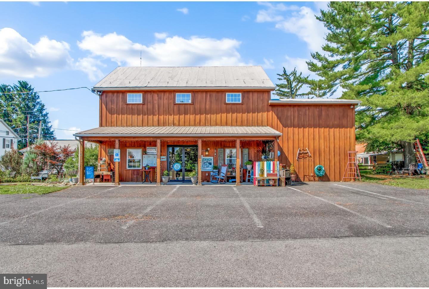 Retail for Sale at Fairfield, Pennsylvania 17320 United States