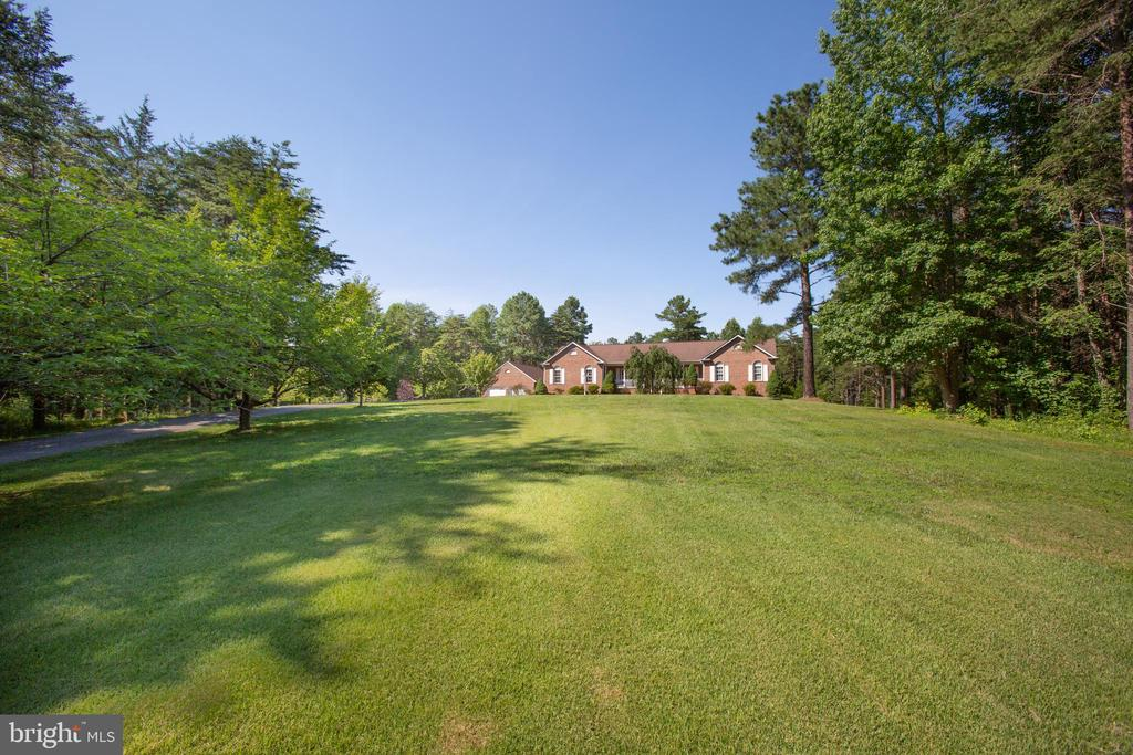 Imagine pulling up to this every day! - 7376 COURTHOUSE RD, SPOTSYLVANIA