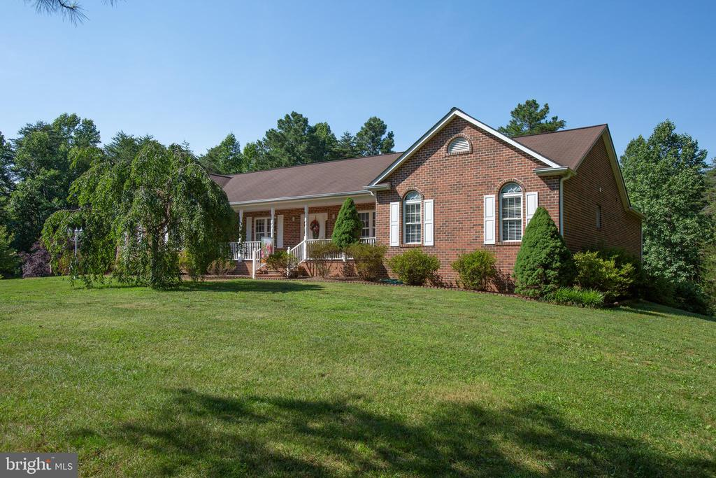 Great curb appeal! - 7376 COURTHOUSE RD, SPOTSYLVANIA