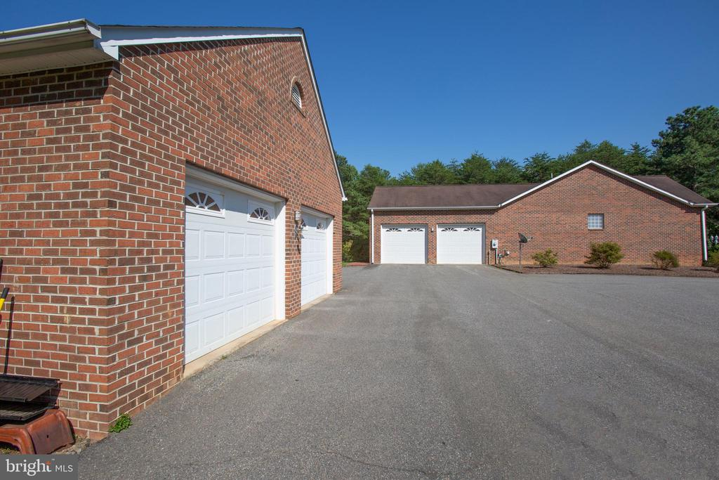 One of the two detached garages! - 7376 COURTHOUSE RD, SPOTSYLVANIA