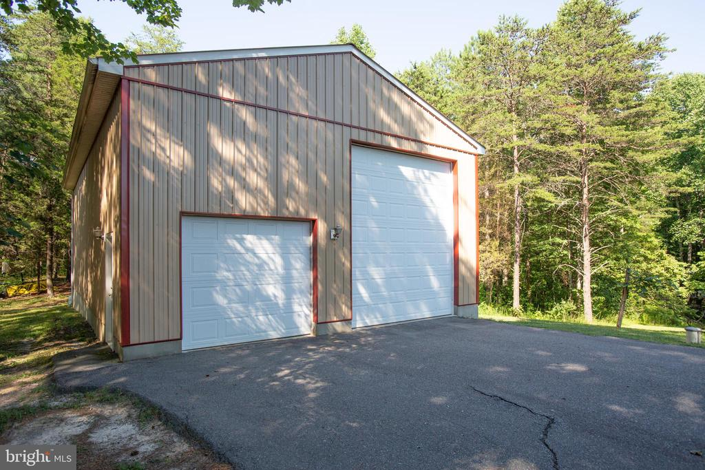 Second detached garage perfect for an RV! - 7376 COURTHOUSE RD, SPOTSYLVANIA