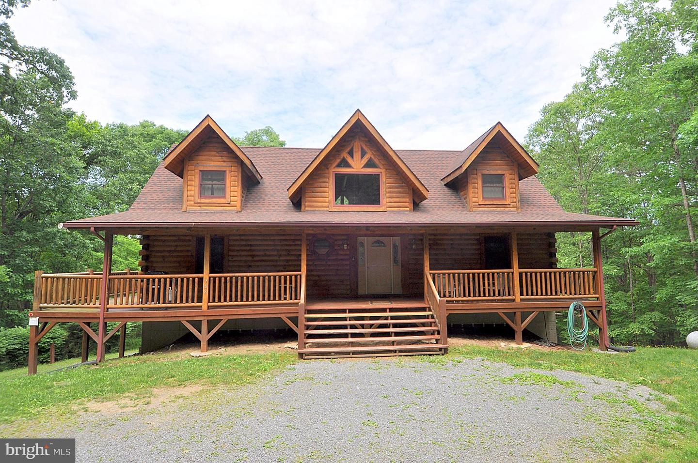 Single Family for Sale at 288 Hungaria Ave Berkeley Springs, West Virginia 25411 United States
