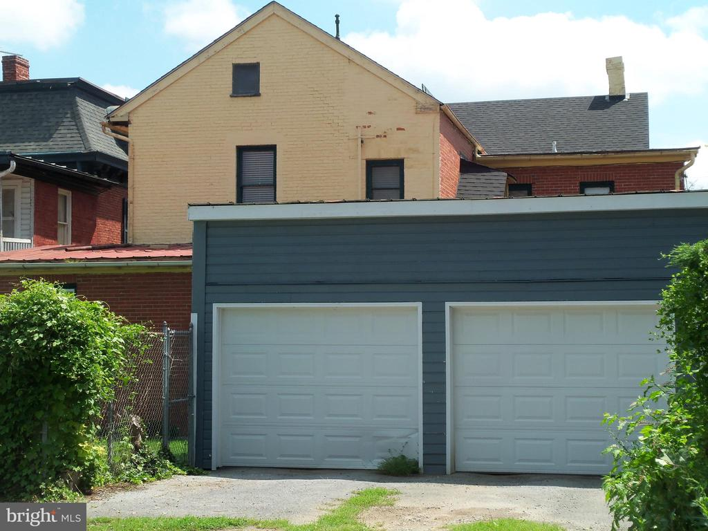 Two Single Car Garages, separate from each other - 120 N MAPLE AVE, MARTINSBURG