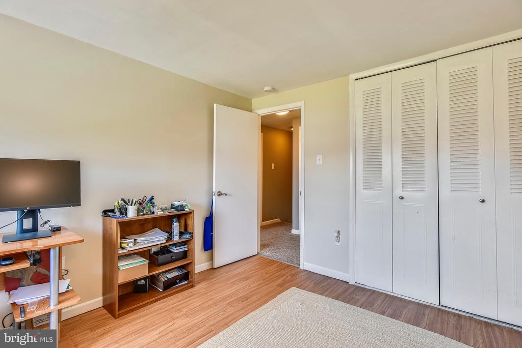 Great closet space in BR 3. - 24 SIMEON LN, STERLING