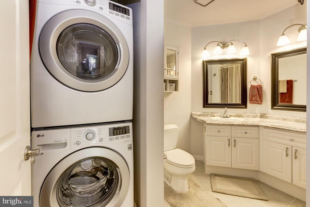 Full Size Laundry in Bathroom - 20313 BEECHWOOD TER #101, ASHBURN