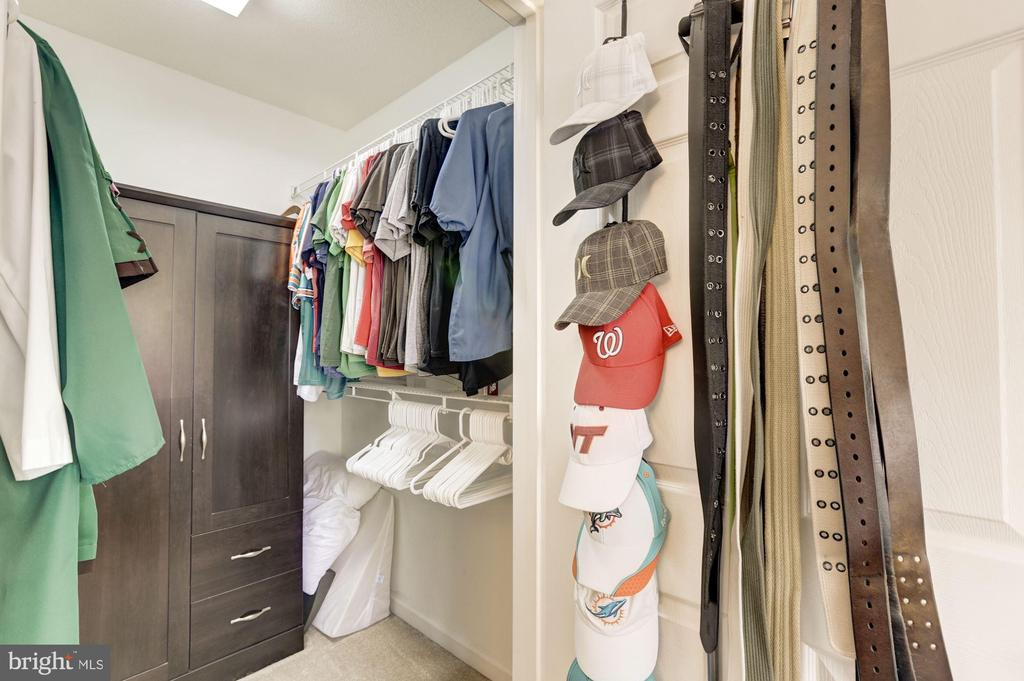 Walk In Closet - 20313 BEECHWOOD TER #101, ASHBURN