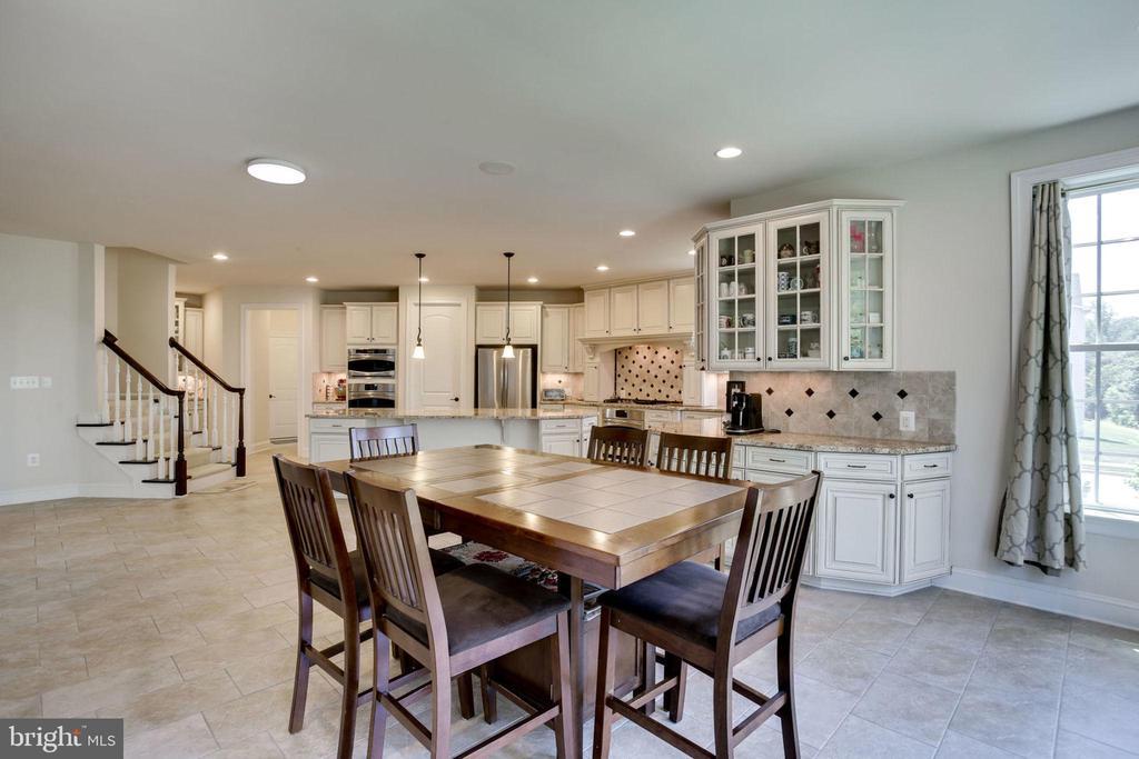 Kitchen Overview - 42394 MADTURKEY RUN PL, CHANTILLY