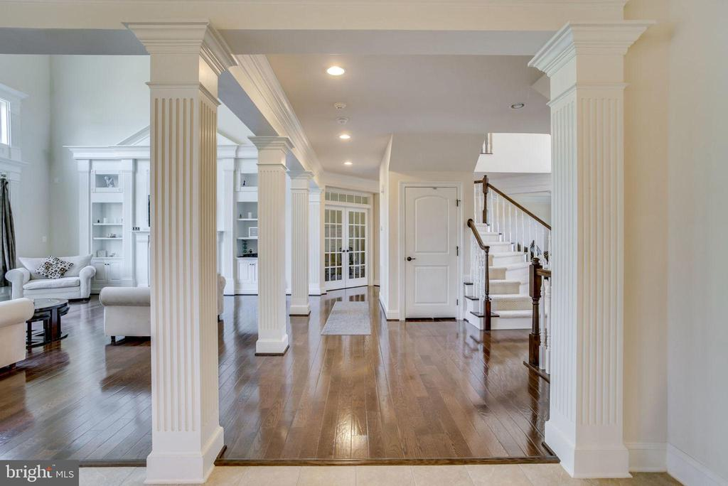 Main Level Hallway - french doors lead to office - 42394 MADTURKEY RUN PL, CHANTILLY