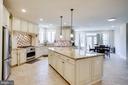 Kitchen View - under counter lighting - 42394 MADTURKEY RUN PL, CHANTILLY