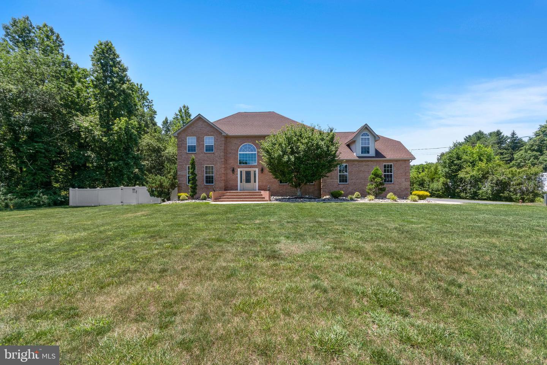 Single Family Homes للـ Sale في 710 TUCKAHOE Buena, New Jersey 08310 United States