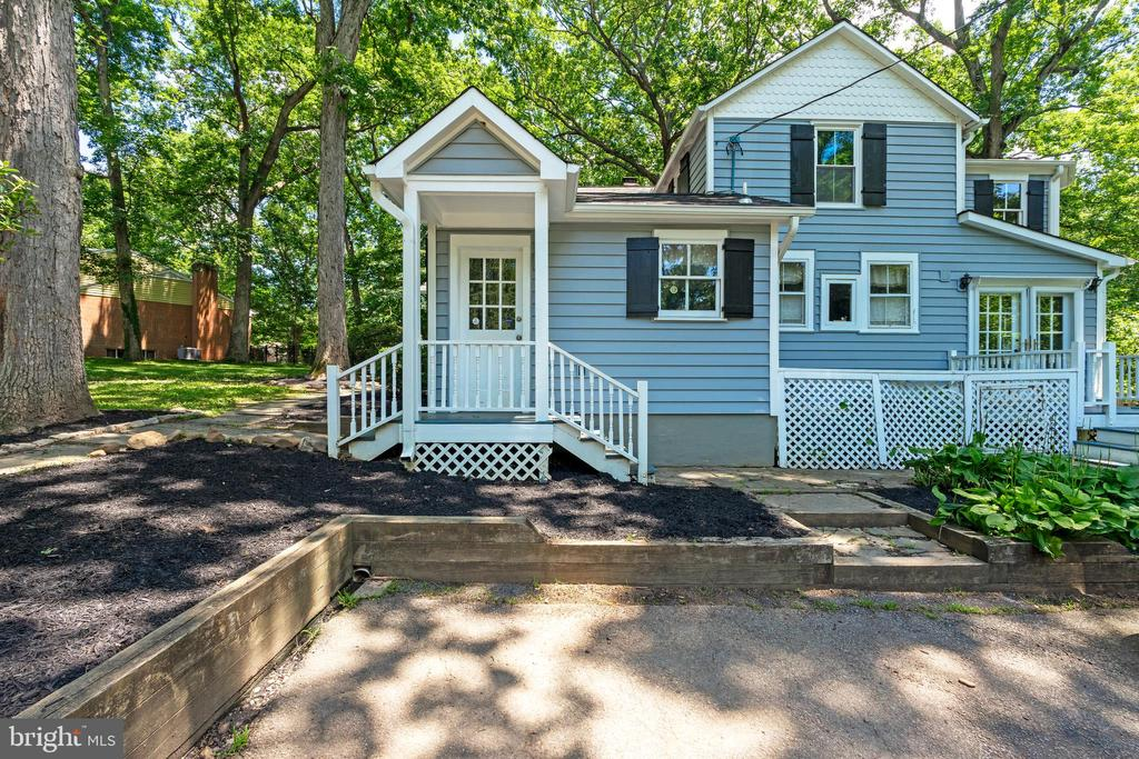 - 4003 OLD MILL RD, ALEXANDRIA