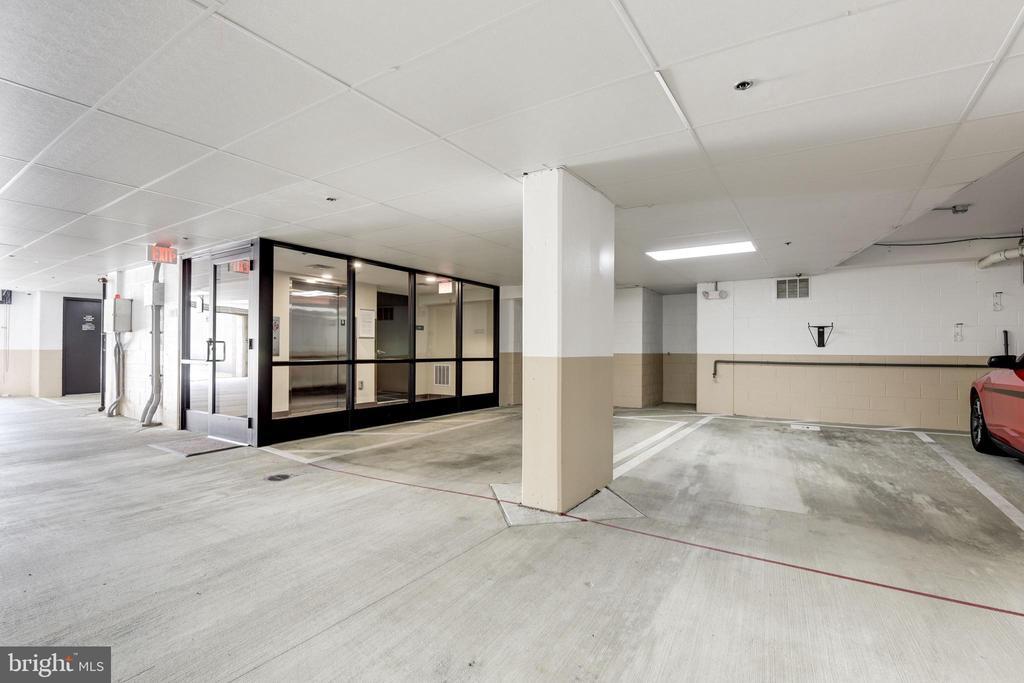 Garage Parking space - 2702 LEE HWY #2B, ARLINGTON