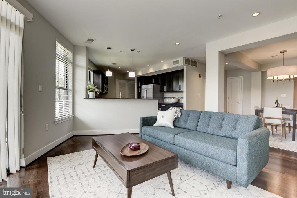 Open Concept Living room - 2702 LEE HWY #2B, ARLINGTON
