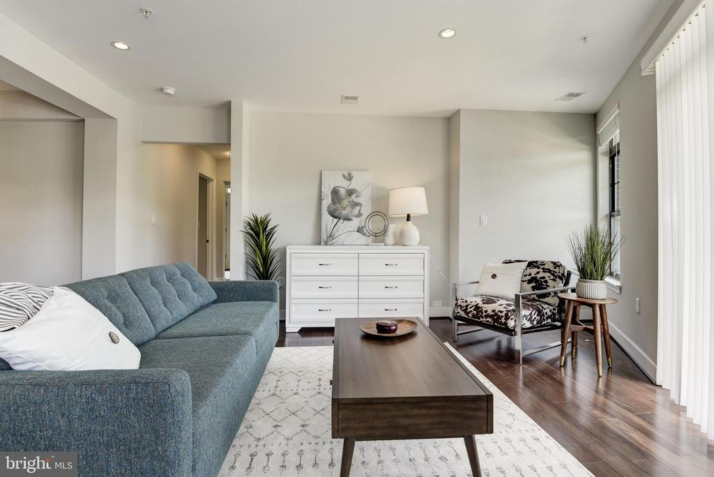 Living room - 2702 LEE HWY #2B, ARLINGTON
