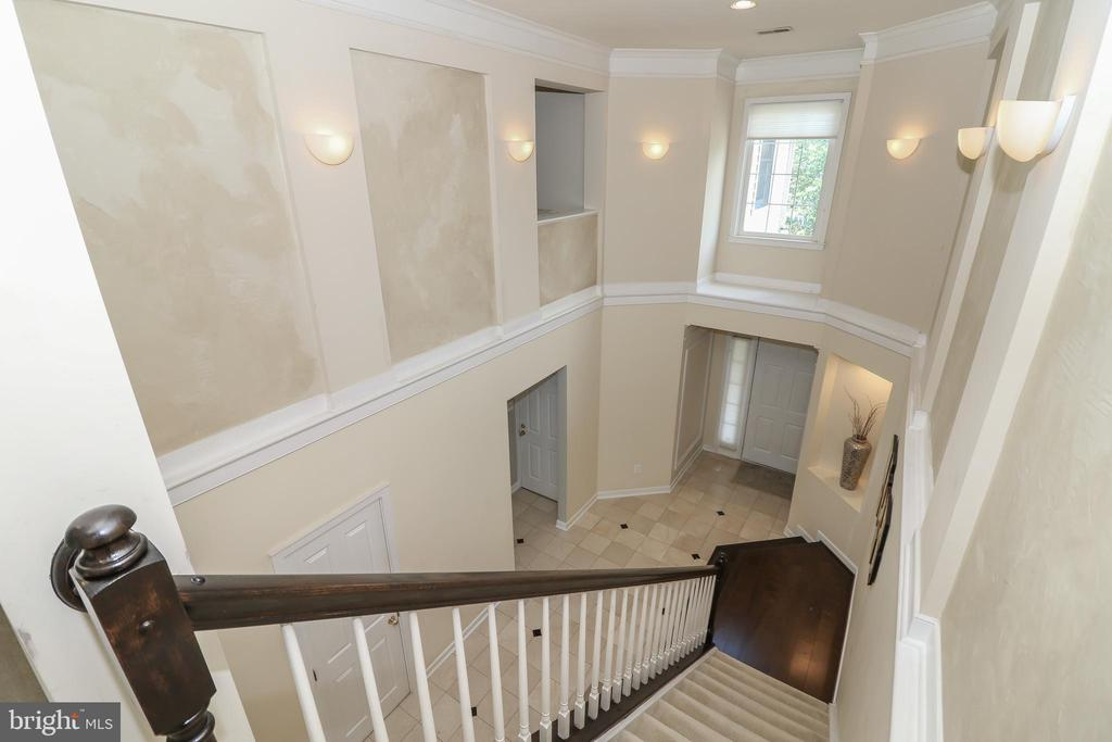 Two story foyer - 20456 TAPPAHANNOCK PL, STERLING