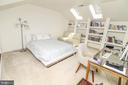 Bedroom 4 with built ins and skylights - 20456 TAPPAHANNOCK PL, STERLING