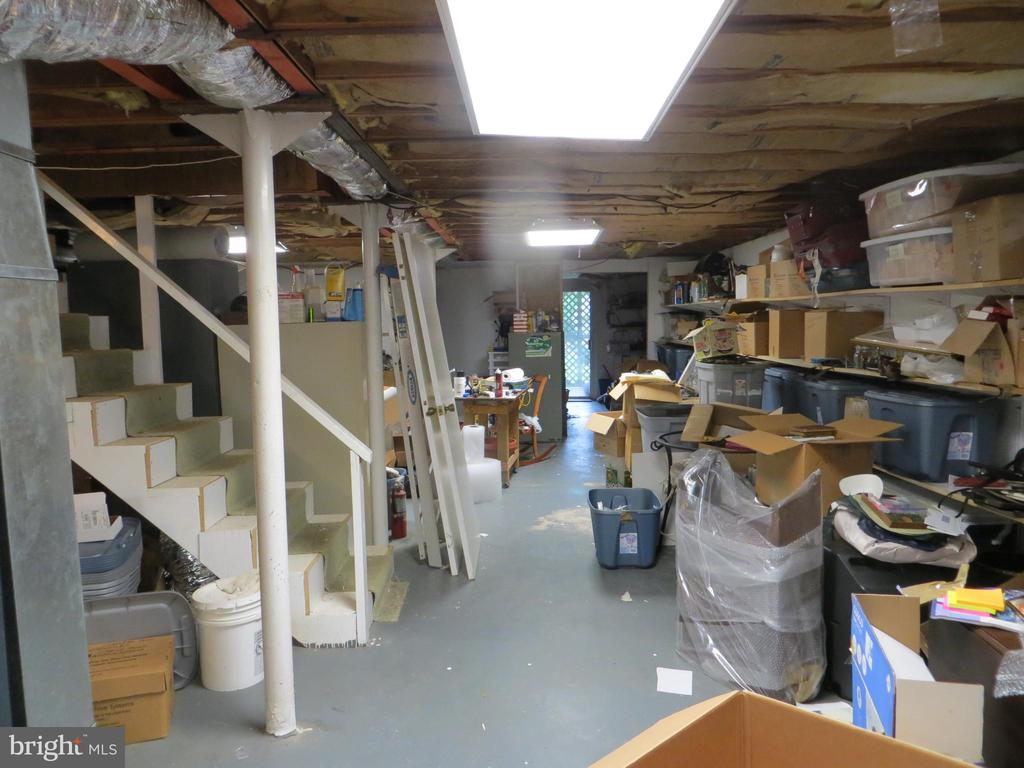full unfinished basement - 212 WAKEFIELD DR, LOCUST GROVE
