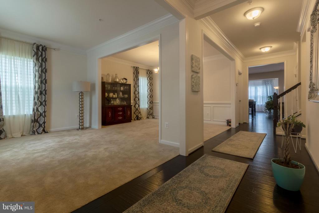 Formal Living Room - 14605 PARKGATE DR, LAUREL